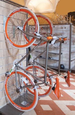 Cykel hållare för spårpanel